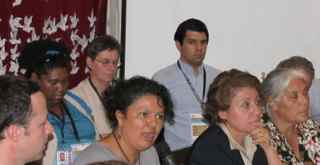 13.11.22 Rueda de Prensa delegacion  observadores retenidos en Rio Blanco, con Berta C y Berta O -en Cofadeh (1)